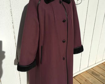 Warm and dry 1950's fur lined coat Vintage Abbmoor size 18