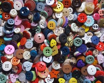 2,270 small button Grab Bag