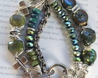 vesuvianite bracelet, pearl bracelet, mystic bracelet, green bracelet, bohemian bracelet, high fashion bracelet, pearl bracelet