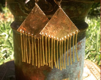 Geometric ethnic earrings with fringes in brass - Brass geometric ethnic earrings-