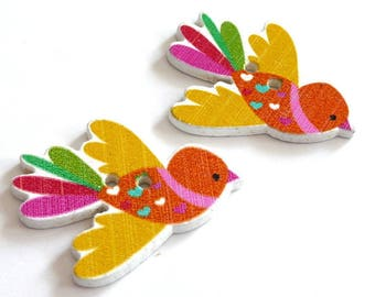 X 7 wood bird wing 35X27mm yellow buttons