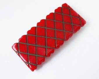 1940s Heart Shaped Windowpane Red Carved Overdyed Bakelite Belt Buckle