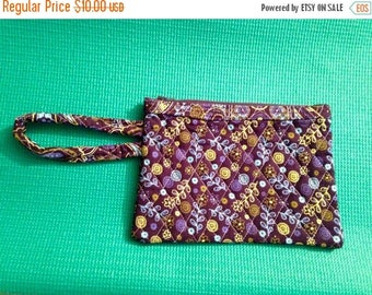 Quilted Wristlet, Floral Quilted Wristlet, Women's Wristlet, Girl's Wristlet, Zippered Quilt Wristlet, Navy Quilt Wristlet, Multicolor Quilt