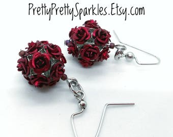 Cranberry Red Metal Rose Earrings / red rose earrings / red metal roses earrings / red roses / metal flower earrings / metal roses