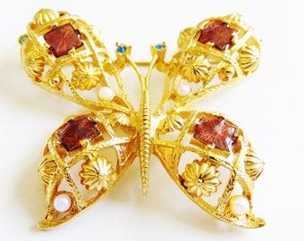 Stunning Goldtone Avon Butterfly Brooch Pin