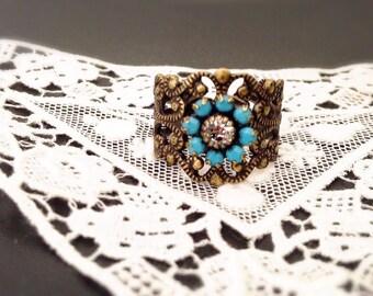 Ring adjustable ornate filigree antique turquoise gold old vintage swarovski crystal