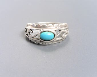 Vintage Cut Out Sterling Turquoise Ring Size 7.5