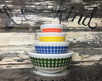 FULL SET Vintage Pyrex Dots Mixing Bowl Set