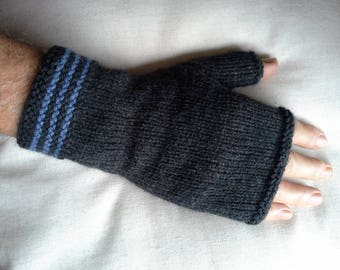 Mens Fingerless gloves, Dark Charcoal  Grey Gray gloves/mitts.