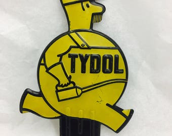 Vintage Advertising Yellow Tydol Oil Can Man/ Fat Man Tag Topper License Plate Attachment Metal Sign superb condition