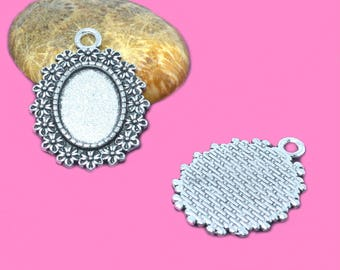 Supports 13x18mm cabochon silver medallions