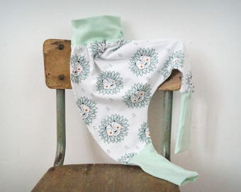 White and Mint green baby harem pants and lions in organic jersey. Mixed