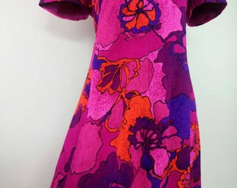 1960s Hawaiian Pink red purple floral maxi dress M/L
