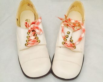 60s Mod Mary Janes Shoes Pink Candy Cane Laces Size 8.5 by QualiCraft