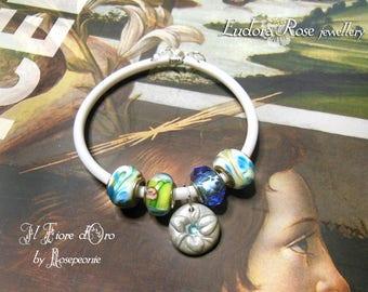 "Eudora Rose parure ""Giardino dei fiordalisi"". OOAK set of bracelet and necklace, rubber wristlet with murano glass charms, Italian fashion"