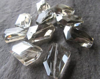 4 x Large Faceted Polygon electroplate Lustre Glass Beads 30x20mm Lemon Chiffon