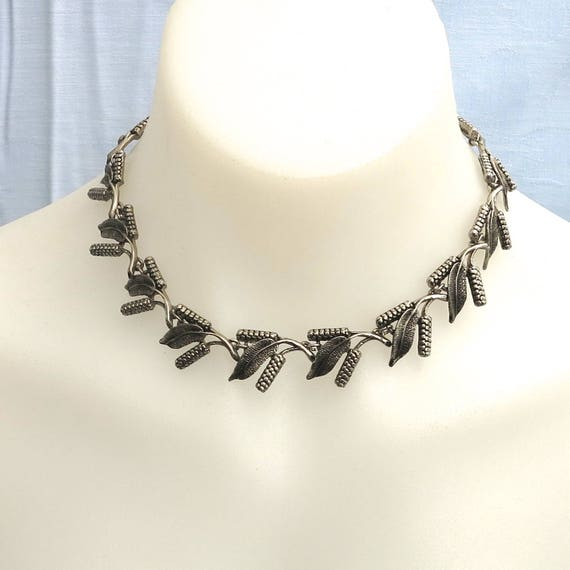 Mid 20th century choker necklace with bottle brush flowers and leaves, Australian wildflowers, shepherd's hook, unusual, circa 1950s