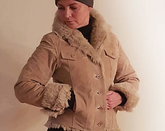 Vintage Sand Beige Soft Suede Leather with Faux fur Collar Ladies Jacket Size Small to Medium