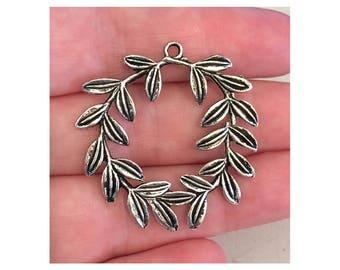 Laurel Wreath Pendant (1) antique pewter - 1 pendant per pack, pendant for necklace