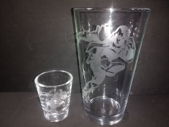 Captain Falcon Pub Glass and shot glass