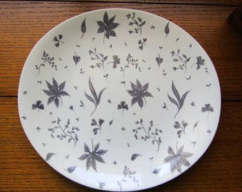 Floating Leaves Gray Oval Dinner Plate Johnson Bros England