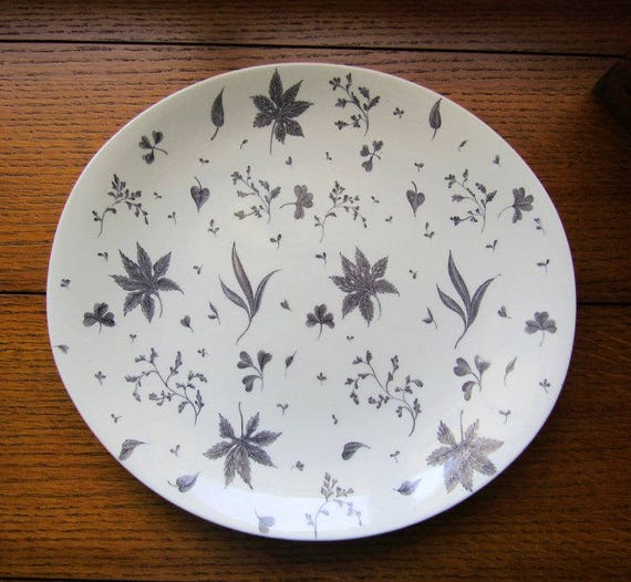 Floating Leaves Gray Oval Dinner Plate Johnson Bros England