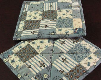 Kitchen Pot holders Hot Pads Blue Cream Patchwork Civil War Reproduction Fabrics Homemade in Maine