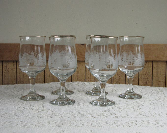 Winter Scene Holiday Water Goblets Set of Six (6) Vintage Christmas Wineglasses