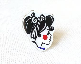 Retro Girl brooch