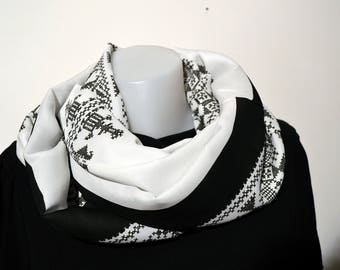snood black and white