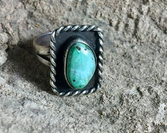 Vintage turquoise ring • Native American jewelry • Sterling Silver Ring • Size 6.5•Bohemian jewelry •Hippie rings • 1940s • Boho • Statement
