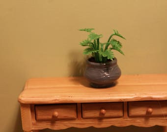 DOLLHOUSE MINIATURE Garden Planter/Pot Light Green Ferns