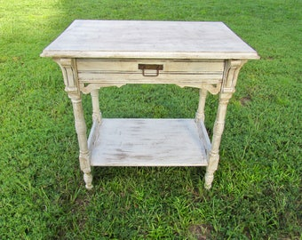 Vintage Shabby chic distressed Antique White table/side table/end table/desk