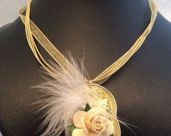 Necklace in organza with Pendant in aluminium with flowers and poultry