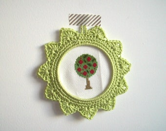 Small frame hook hand-made - lime green color
