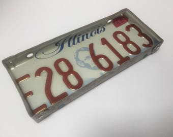 Illinois license plate tray