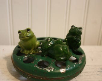 Vintage Bakelite Frogs, Miniature Frogs, Three Miniature Frogs, Green Bakelite Frogs, Set of Three Collectible Bakelite Frogs, Mini Frogs