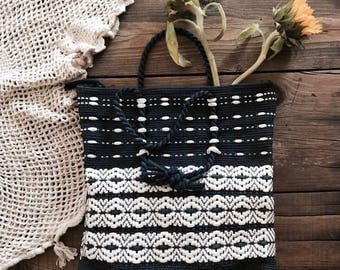 VINTAGE• 1970s Navy & White Woven Tote/Market Bag• Brass hardware