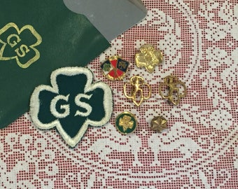 Girl Scout Emblem, Friendship Pins and Mirror, Lot of 8, 1950s
