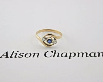 Art Deco 18ct Yellow gold Ceylon Sapphire and Diamond Trilogy ring size M 1/2