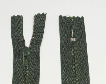 Zipper has a zipper 18cm Olive Green