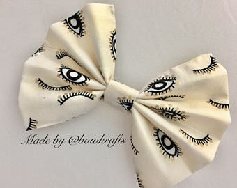 Eyes hair bow