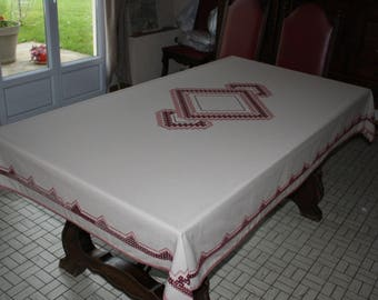 Hand embroidered table mat or table cloth