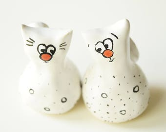 Cat Cake Topper, Wedding Cake Topper, Wedding Cake Decor, Cat Couple, Handpainted Cake Topper, Ceramics and Pottery