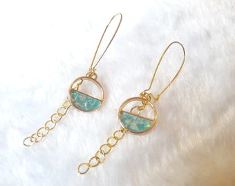 Golden mother of Pearl circles earrings