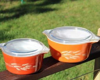 2 Vintage Corning Ware Pyrex Casseroles w/ Tops Autumn Harvest Wheat Pattern cinderella tabs collectible
