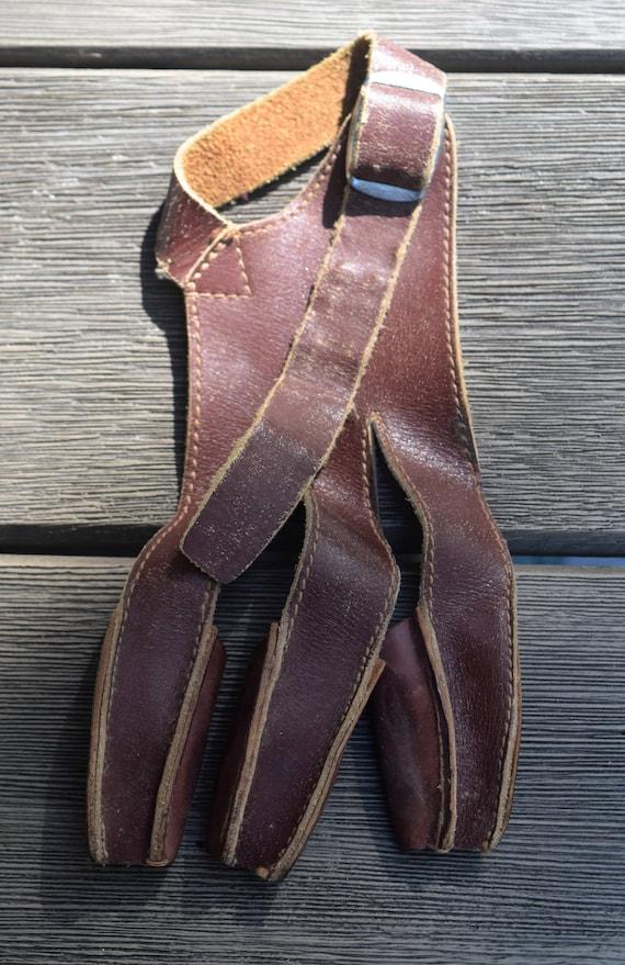 Archery shooting glove, leather archery glove
