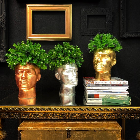 Mannequin head floral display