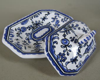 Small lidded butter dish handpainted Portugal blue white