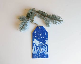 Christmas tree ornament, hand painted manger scene on wooden plaque with yute string, holiday decorations, Nativity scene, holiday mantel